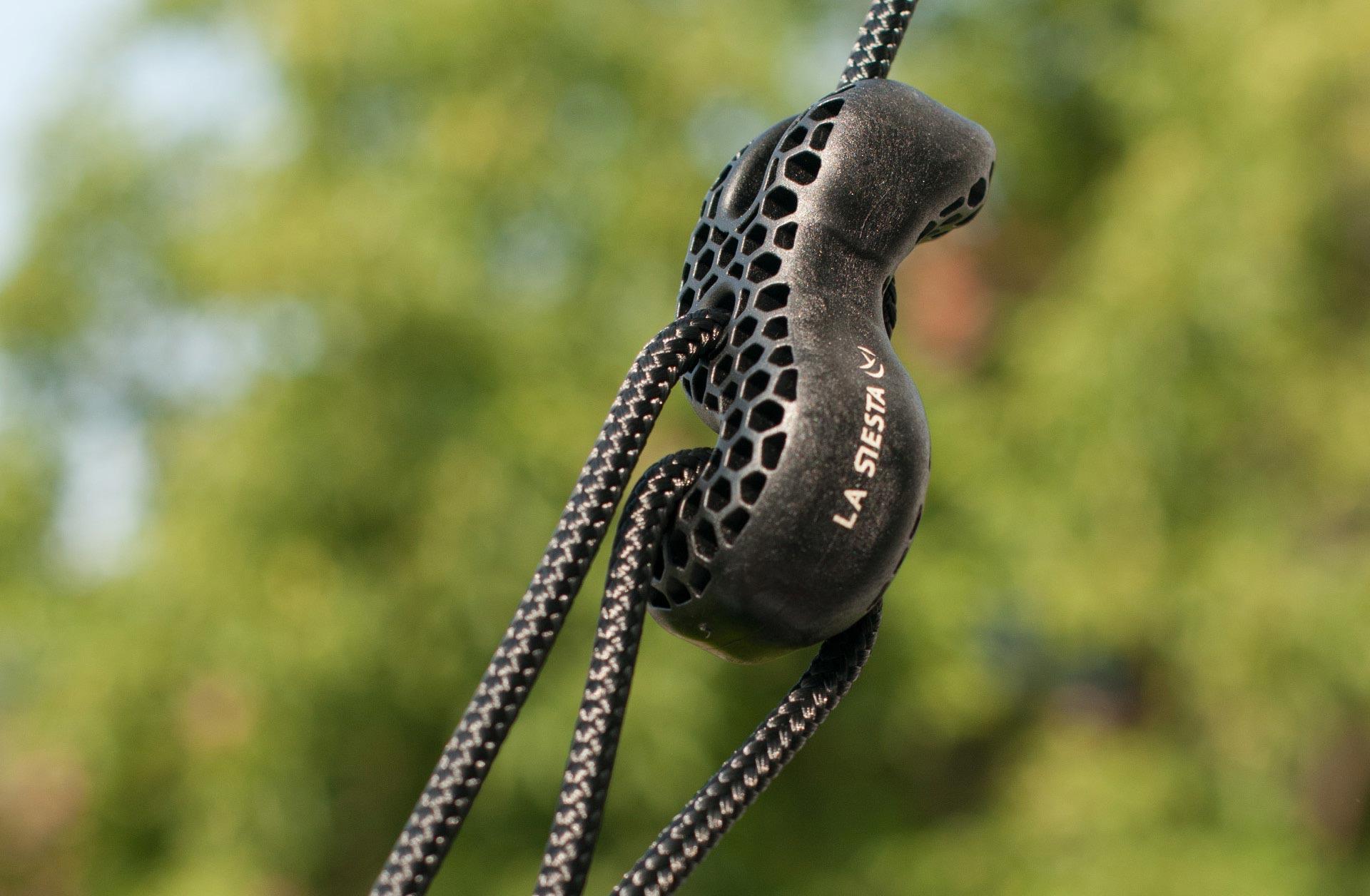 tree rope black befestigung f r h ngematten an b umen und pfosten. Black Bedroom Furniture Sets. Home Design Ideas